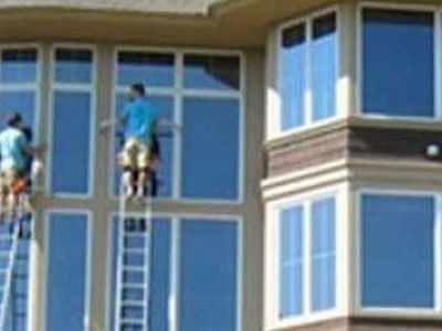 window washing image